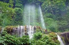 benang kelambu lombok waterfall