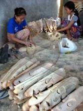 wood mask labuapi handycraft lombok