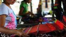 weave at sukarara village lombok